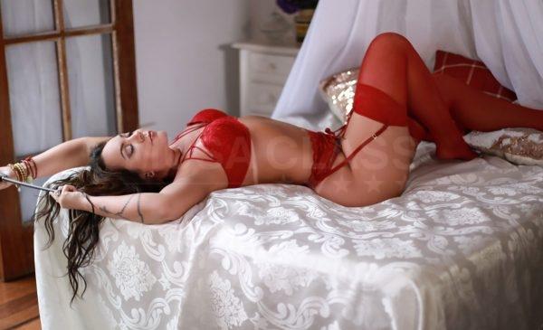 Veja fotos e mais informações de Alessandra Maia (Atriz Pornô)