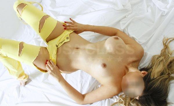 Isabella  Lins